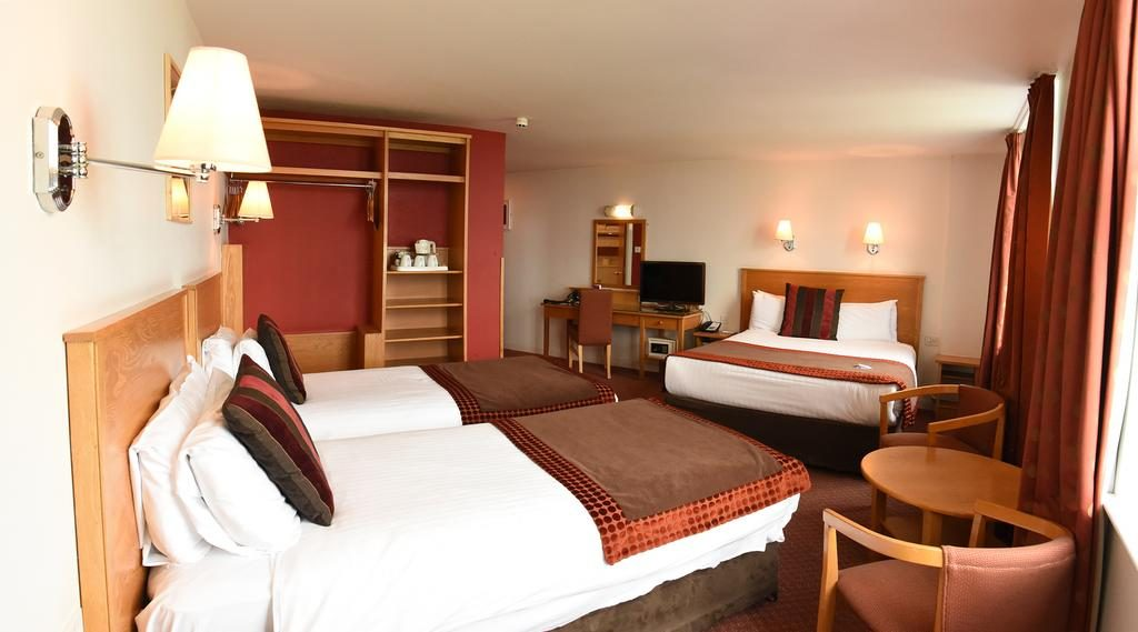 Portrush Atlantic Hotel - bedroom 2