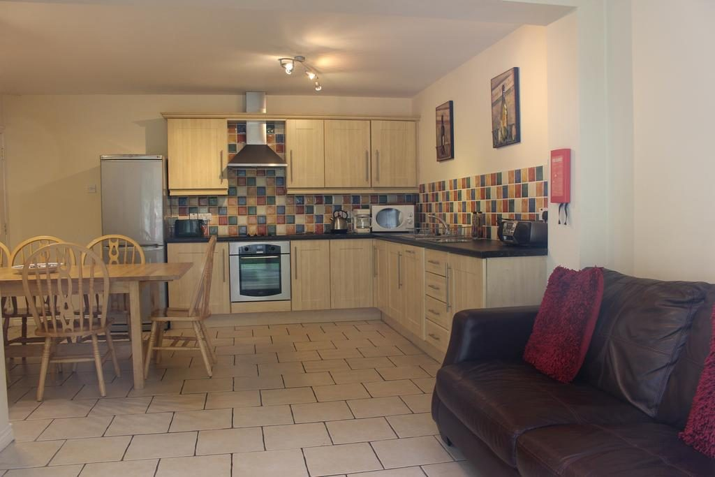 Causeway Holiday Homes kitchen and dining area