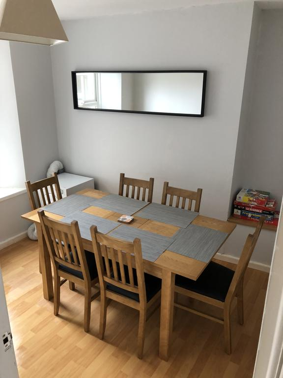 Portstewart Holiday Home - dining room