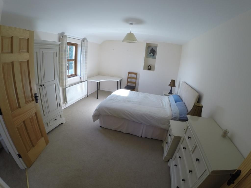 Self Catering Holiday Home - bedroom 2