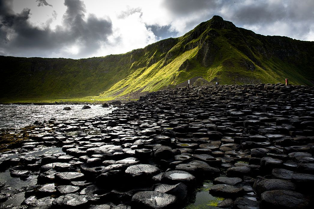 The-Giants-Causeway-near-Portrush-and-the-Dark-Hedges-compressor