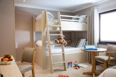 The Lodge Hotel bunk beds bedroom