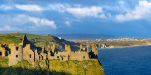 Dunluce-Castle-over-looking-Portrush-and-the-Atlantic-Ocean-in-noRTHERN-ireland