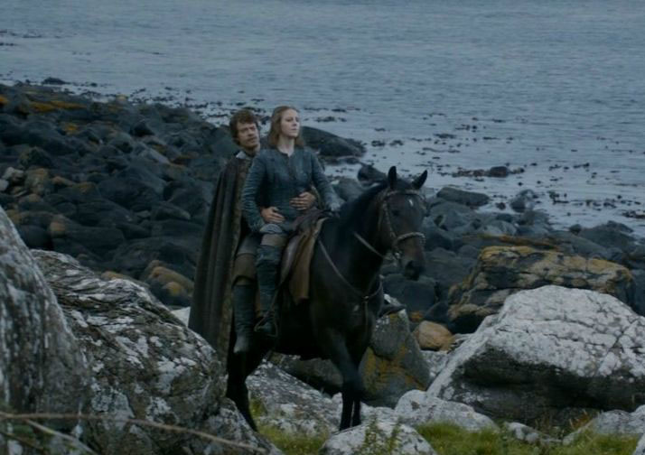 Murlough bay filming location of Game of thrones Yara and Theon Greyjoy riding along together