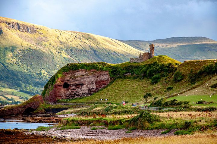 Red-Bay-Castle-near-Glenariff-filming-location-of-game-of-thrones