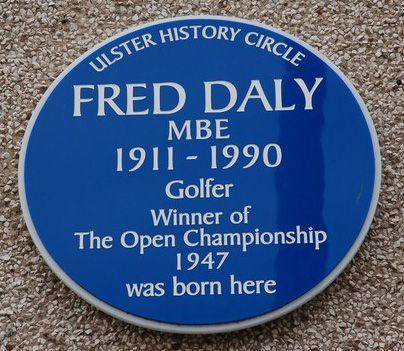 Fred-Daly-Plaque-in-Causeway-Street-Portrush